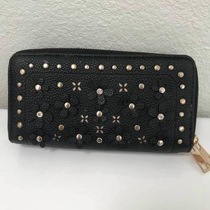 Under One Sky Black Floral Cutout Wallet GUC